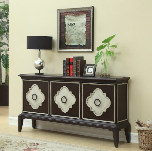 Leiden Brown and Cream finish paired with the classic quatrefoil door panels