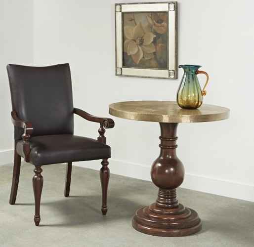 accent table that will be perfectly at home in any decor